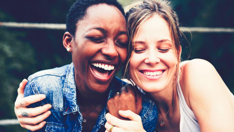 Dwie radosne kobiety