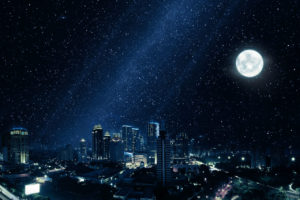 niebieskie światło w mieście