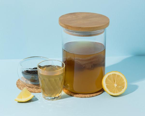 Kombucha z czarnej herbaty i cytryny