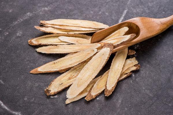 cięty korzeń astragalus membranaceus